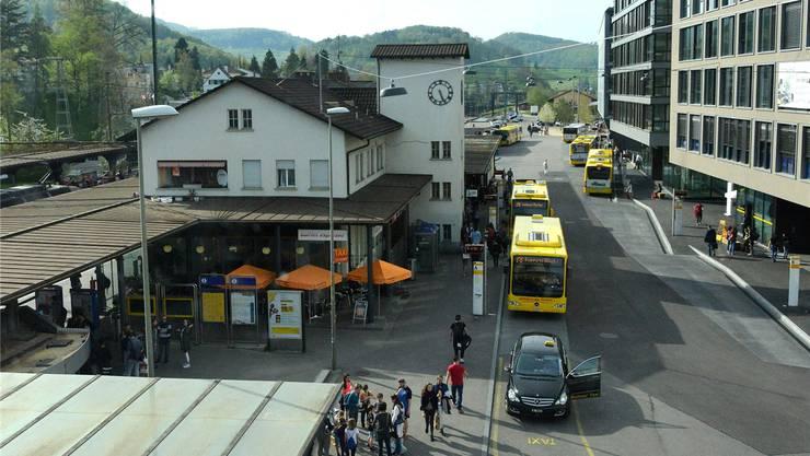 Der Fussgänger wurde auf der Poststrasse beim Bahnhof angefahren. (Archiv)