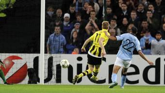 Dortmunds Marco Reus erzielt das 1:0 gegen ManCity.