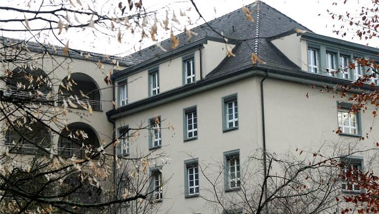 Ins Claraspital kommen Patienten aus der ganzen Schweiz. Jetzt spannt das Privatspital mit der Merian Iseln Klinik zusammen.