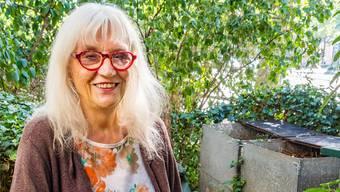 Ulrike Zophoniasson hilft seit zehn Jahren beim Kompostieren.