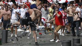 Ausschreitungen in Marseille vor EM-Spiel England-Russland