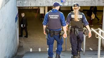 Die Kantonspolizei ist häufig am Aarauer Bahnhof im Einsatz – ein Hotspot.