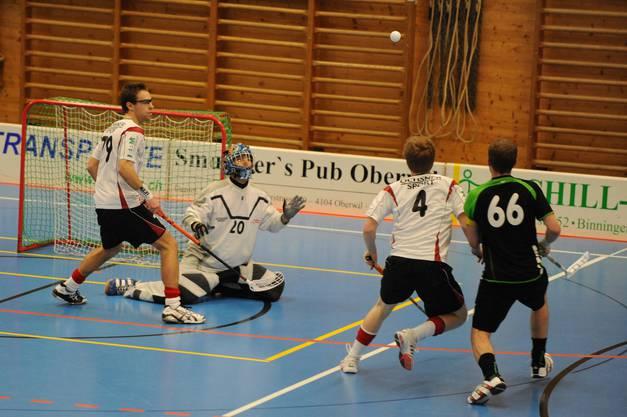 Unihockey Leimental schlägt Höfen mit 10:5