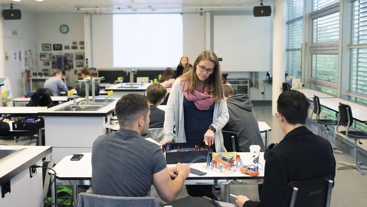 Die Zahl der Schülerinnen und Schüler an den Aargauer Mittelschulen wird sich stark erhöhen. (Symbolbild)
