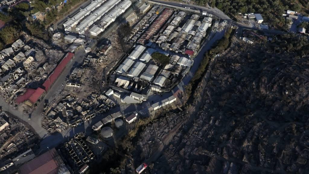 Polizei räumt abgebranntes Flüchtlingscamp Moria