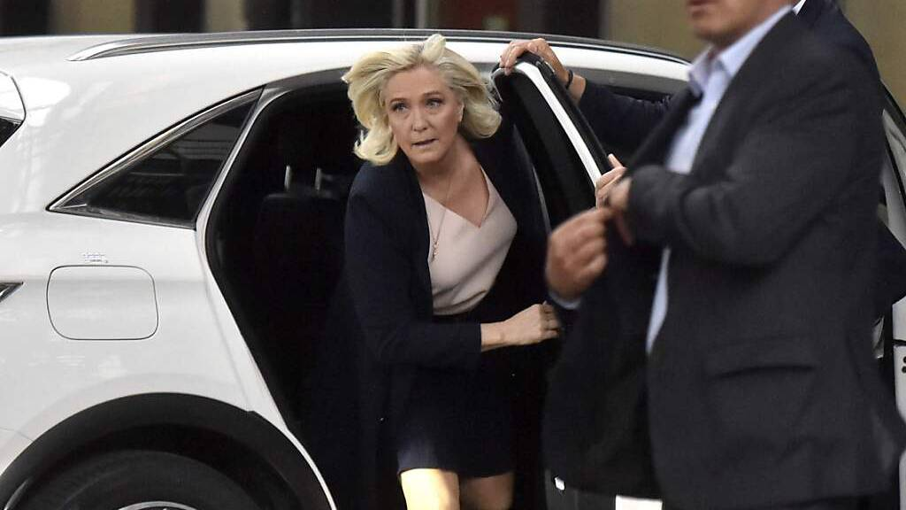 Rechtspopulistin Le Pen bei Parteitag im Amt bestätigt