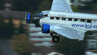 Das Video zeigt die Ju-Flieger aus Dübendorf in einem Ju-Air-Film aus dem Jahr 2009 zum 70. Geburtstag der drei Flugzeuge mit Baujahr 1939.