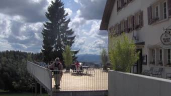 Im Berggasthof Untergrenchenberg werden für 130 000 Franken neue, moderne Nasszellen und Duschen im Obergeschoss eingebaut