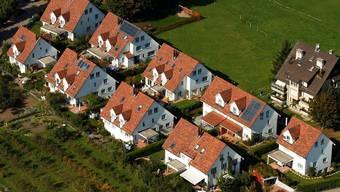 Müssen sich Hausbesitzer fürchten? Laut UBS-Ökonomen soll der Hypozins steigen.