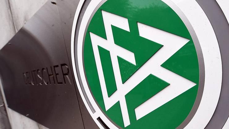 Der DFB sieht sich mit neuen Vorwürfen in Zusammenhang mit der Vergabe der WM 2006 an Deutschland konfrontiert