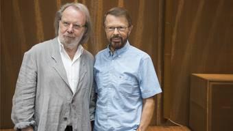Komponistenduo Benny Andersson & Björn Ulvaeus nach der Pressekonferenz am Mittwoch in Stockholm.