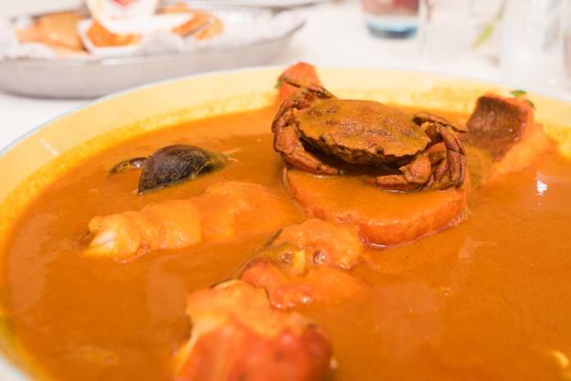 Der Safran schmecke wie die Sonne, findet Dédé, und er macht die Suppe orange.