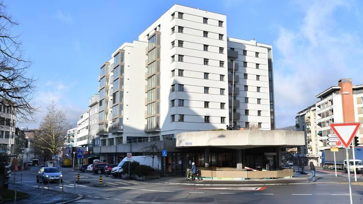 Entwickelt sich zum kleinen Wohn- und Geschäftszentrum: die Liegenschaft Aarauerstrasse 55.