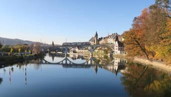 Im Herbst gibt es in den Regionen des Kantons Aargau viel zu erleben – wie wäre es mit einem Herbstspaziergang an Reuss?