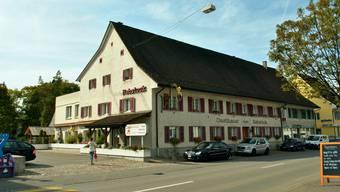 Der Gemeinderat Frick hat beschlossen, den «Rebstock» zu kaufen. Im Dorf sorgen vor allem die finanziellen Konsequenzen für Diskussionen.