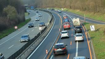 Heute beginnt auf der Autobahn 18 die Lärmsanierung. Schon vor den Bauarbeiten gab es Staus.Nicole Nars-Zimmer