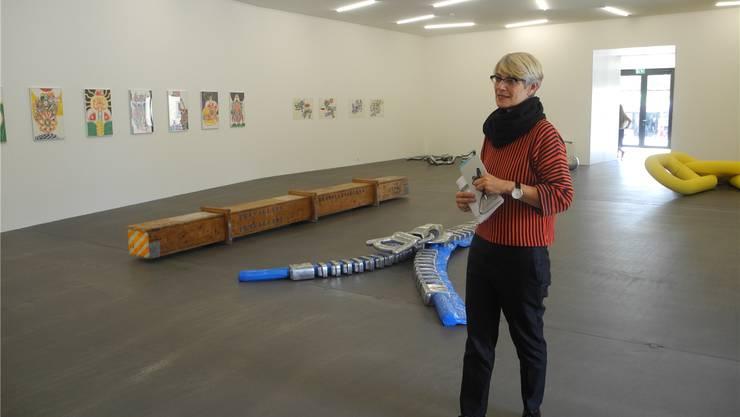 Claudine Metzger zeigt im Neubau des Kunsthauses die Pop-Art-Phase von Peter Travaglini. Zum Beispiel den überdimensionierten Reissverschluss.