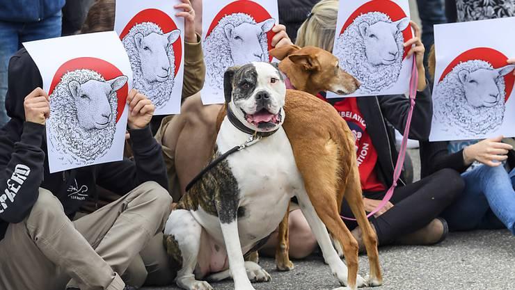 Vertreter des Anti-Speziesismus propagieren ihr Anliegen regelmässig an öffentlichen Kundgebungen, so auch an einer in Genf im August 2018. (Themenbild)