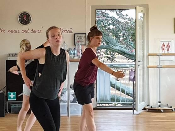 Zum täglichen Programmpunkt gehörte Contemporary, Klassisches Ballett und Jazzdance.