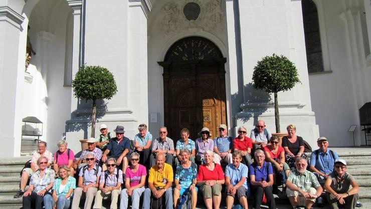 Gruppenfoto vor der Klosterkirche St. Urban