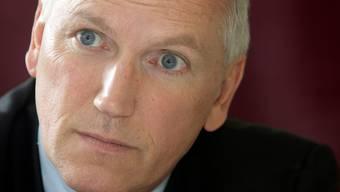 Thomas Borer stellt dem Bundesrat ein gutes Zeugnis aus, doch er ermahnt ihn zu einer weitergehenden Kommunikation - und nimmt das Parlament in die Pflicht.