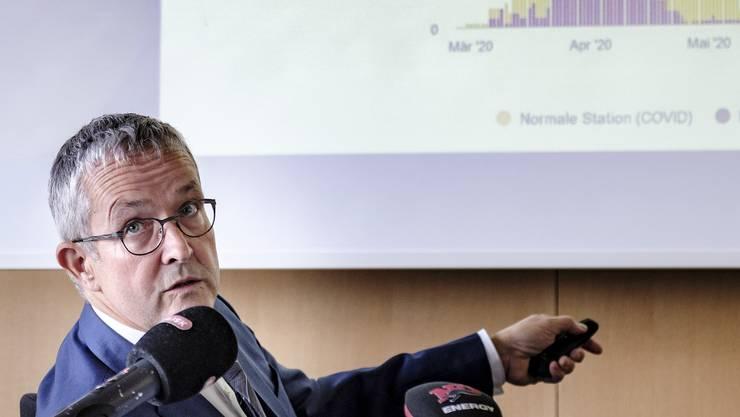 «Mit dem Virus leben lernen»: Gesundheitsdirektor Thomas Weber.