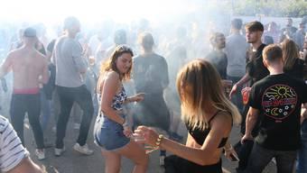 Am Samstag feierten unzählige Elektro-Fans oberhalb Allschwils nahe der französischen Grenze zu den harten Beats. Es war bereits die sechste Ausgabe des Festivals «Medizin für die Seele».