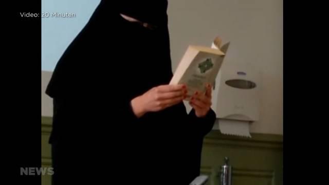 GIBB: Lehrerin liest komplett verschleiert aus Koran vor