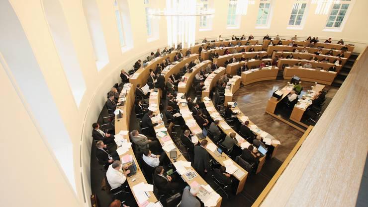 Die Grossrätinnen fordern, dass eine Stellvertretung bei Abwesenheiten ab zwölf Wochen eingesetzt wird.