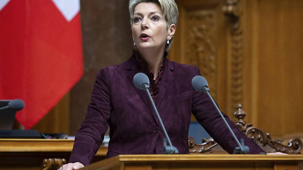 Die Wilerin Karin Keller-Sutter ist laut einer Umfrage die beliebteste Bundesrätin.