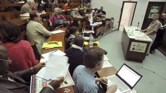 Teilnehmer des Weltsozialforums debattieren am Mittwoch in Tunis
