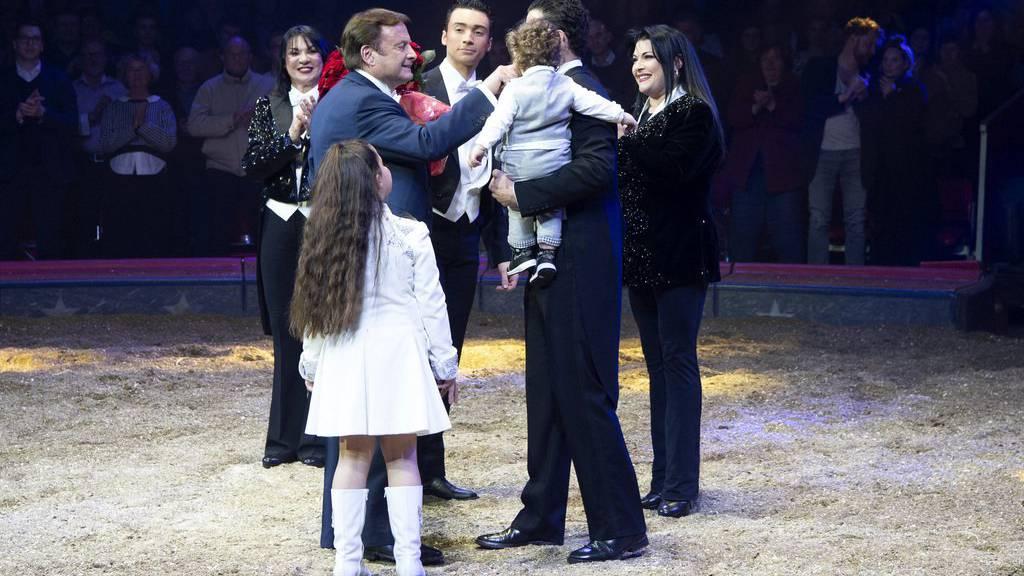 Circus Knie feiert Premiere zum 100. Geburi