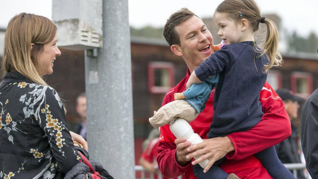 Stephan Lichtsteiner mit Frau Manuela (links) und seiner Tochter Kim. (Archivbild)
