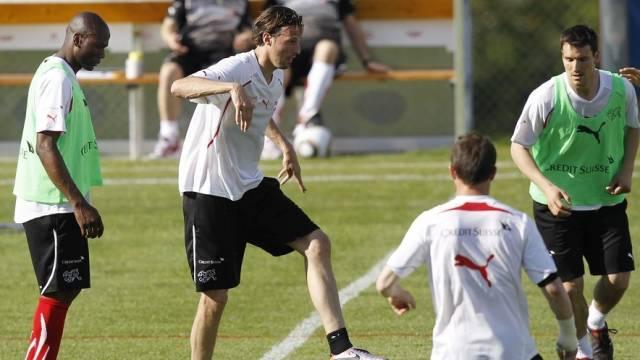 Marco Strellerim Training der Schweizer Nationalmannschaft auf dem Sportplatz in Lens