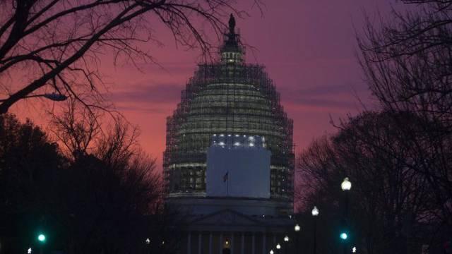 Das Kapitol in Washington: Budgetabstimmung am Abend