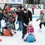 Auf dem Eisfeld beim Schulhaus Bogen herrschte wiederum Hochbetrieb. Über 6000 Paar Schlittschuhe wurden vermietet.