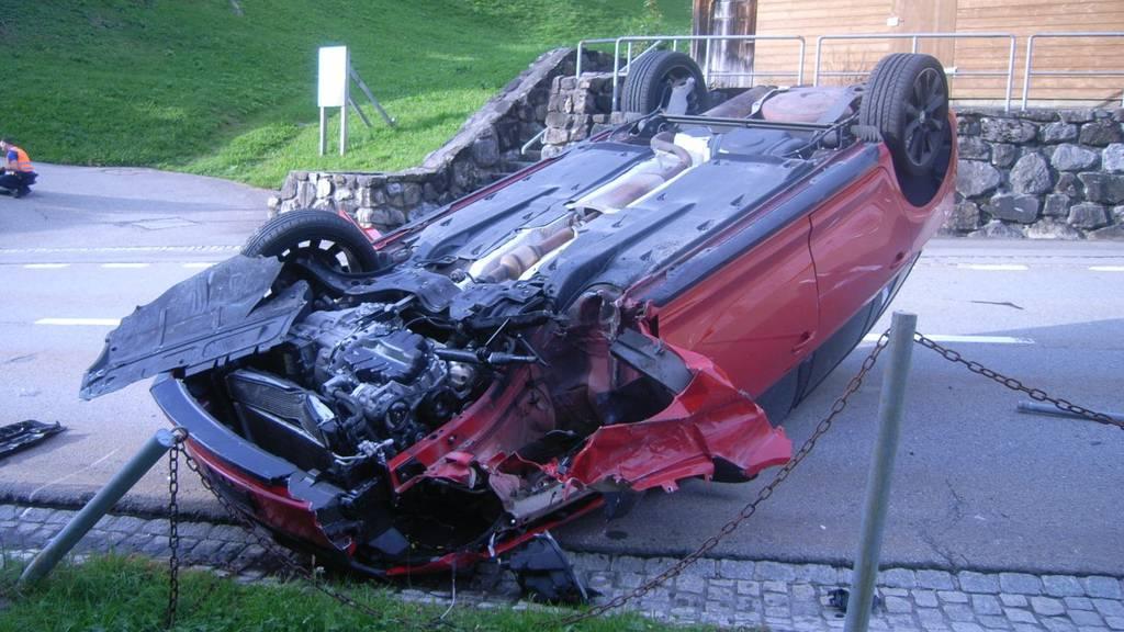 32-Jährige legt Auto mit über 2 Promille aufs Dach
