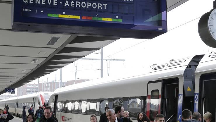Ab Ende 2015 fällt die direkte Verbindung vom Bahnhof Basel SBB über Laufen nach Genf weg.