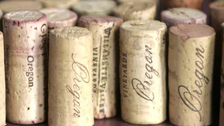 Der Korkgeschmack im Wein geht auf Moleküle zurück, die der Korken abgibt. Diese Moleküle spürt ein neuer Sensor auf. (Symbolbild)
