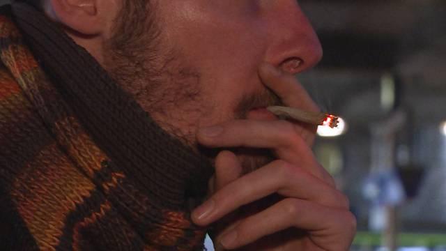 Bald auch Bahnhöfe fast komplett rauchfrei