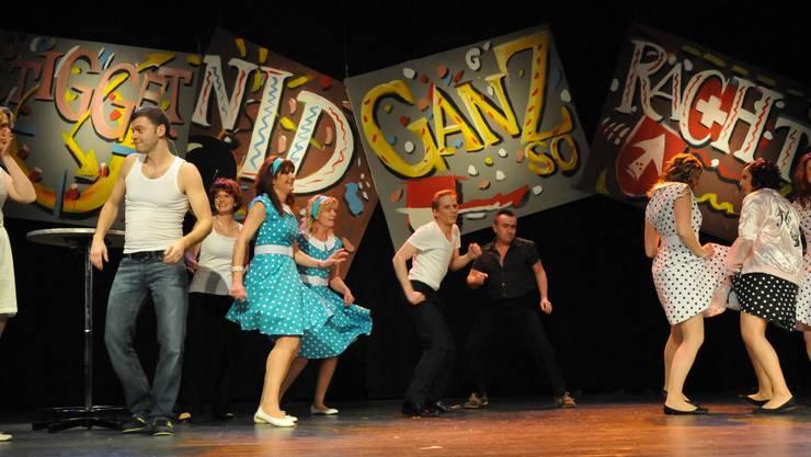 Die Tanzcompanie der Zunf Dolce Vita brachte Schwung und Rhythmus