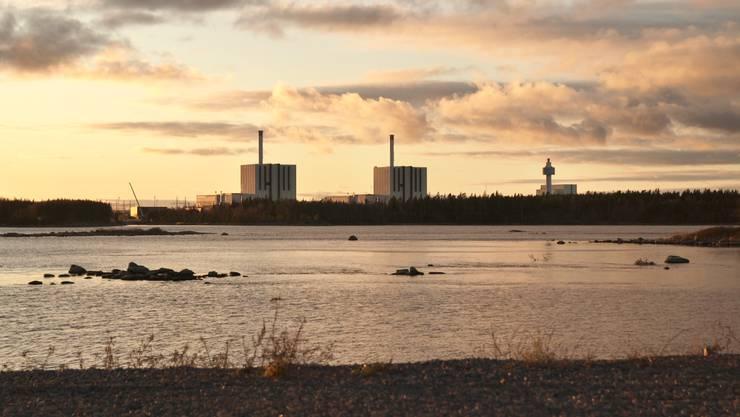 In den letzten 60 Jahren haben sich rund um die Welt mehr als 350'000 Tonnen hochradioaktive Atomabfälle angesammelt, die für Tausende von Jahren an einem sicheren Ort, sprich: für Mensch und Umwelt unschädlich, endgelagert werden müssen.