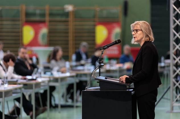 Regierungsrätin Brigit Wyss bei ihrem Votum im Kantonsrat (Archiv)