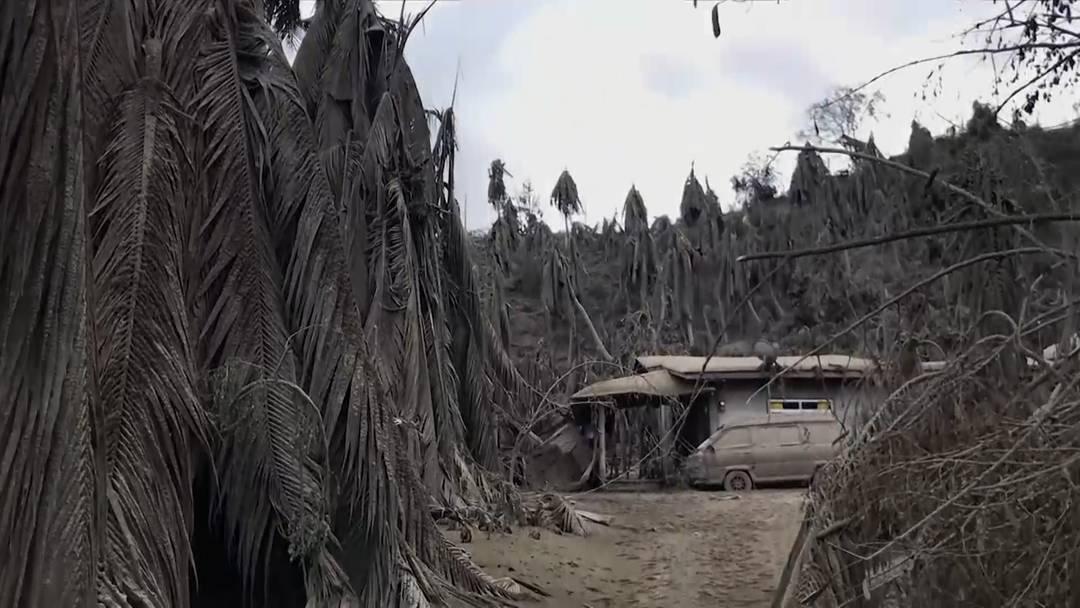 Zwei Menschen sterben auf der Flucht vor Vulkan Taal