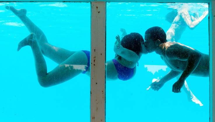Auch Unterwasser küssen funktioniert