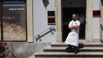 Roman Maier vor dem Laden in der Marktgasse, der heute geschlossen wird.