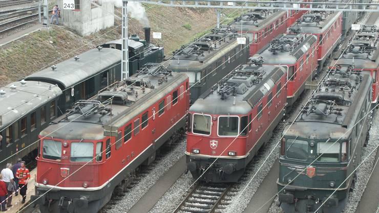Lokomotiven verschiedener Generationen auf dem Rangierbahnhof Limmattal