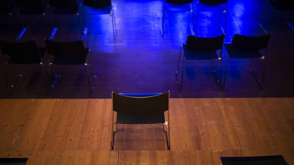 Geschlossene Bühnen, leere Theater: Der Ausserrhoder Regierungsrat unterstützt Kulturschaffende, die von der Coronakrise betroffen sind, mit weiteren Beiträge aus dem Lotteriefonds (Symbolbild).