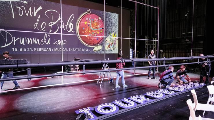 Blick auf die Vorbereitungen zur Tour de Bâle am diesjährigen Drummeli.