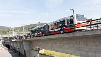 Die Busrampe beim Badener Bahnhof soll für Velos freigegeben werden, schlägt der Stadtrat vor. Severin Bigler